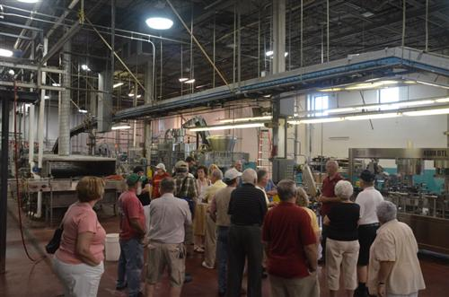 Located in the old Widmer Wine Cellars in Naples NY. & Rochester Area Home Winemakers :: 2012 Hazlitt Red Cat tour